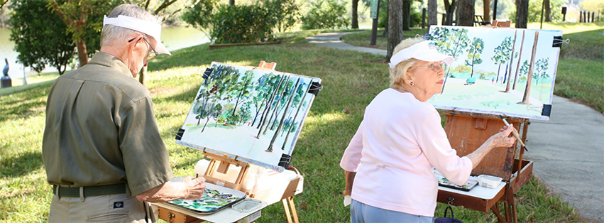 retired-old-couple-busy-painting